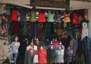Изделия из шёлковых тканей во Вьетнаме
