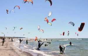 Ветер в Муйне привлекает любителей кайтинга