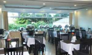 Ресторан в Голден Тайм
