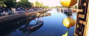 Юбилейный турист в городе Хойан