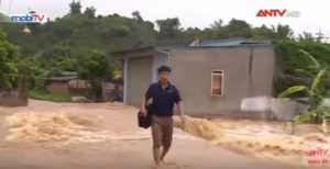 В результате паводков на севере и в центре Вьетнама есть жертвы