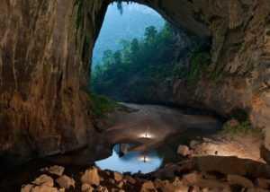 Пещера Son Doong в провинции Вьетнама Куангбинь
