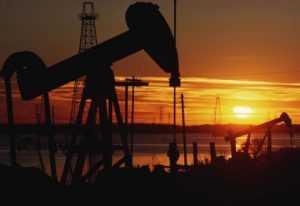 SOCAR будет продавать во Вьетнам нефть