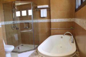 Ванная комната в Pandanus Resort