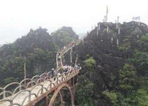 Незаконное строительство на горе Кат-Хар (Cát Hạ) во Вьетнаме