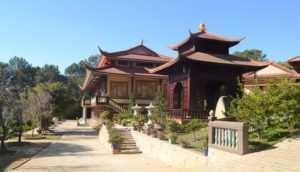 Дзен-буддийский монастырь Чук Лам