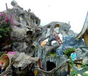Дворец паутины в Далате