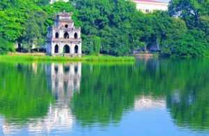 Озеро Возвращённого меча в Ханое