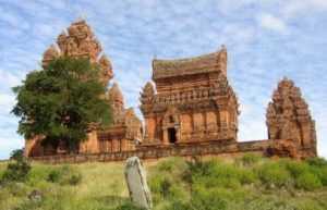Чамские башни По Клонг Гарай