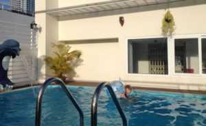 Бассейн в отеле Golden Beach