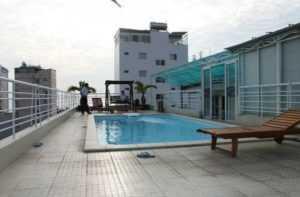 Бассейн в отеле Sunny