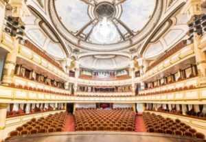 Туристам теперь доступен оперный театр в Ханое