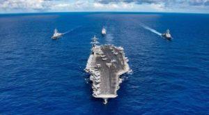 В Дананг прибыл авианосец США