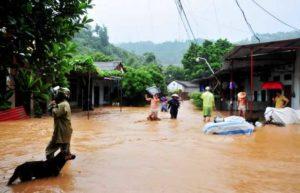 Наводнение во Вьетнаме с жертвами