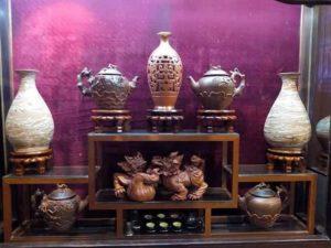 В Ханое проходит выставка керамики Bat Trang