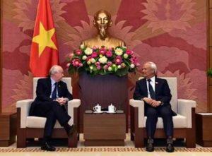 Вьетнам подтверждает дружеские отношения с Великобританией