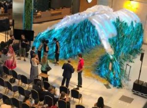 В Хошимине сделали художественную инсталляцию из отходов