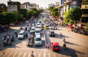 Поток иностранцев во Вьетнам за июнь уменьшился