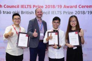 Британский совет объявил лауреатов премии IELTS во Вьетнаме