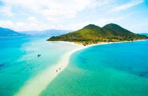 Число иностранных туристов во Вьетнаме за июль выросло