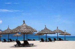 Белоснежные пляжи влекут туристов в Дананг