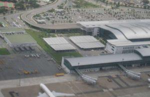 Министр транспорта Вьетнама требует срочно устранить перегрузки в аэропортах